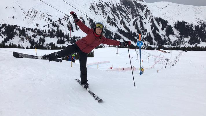 Am Samstag freute ich mich über den Besuch von Jennifer. Nach dem Rennen war Rollentausch angesagt: sie fuhr zum ersten Mal snowboard, ich stand wieder einmal auf Skiern.