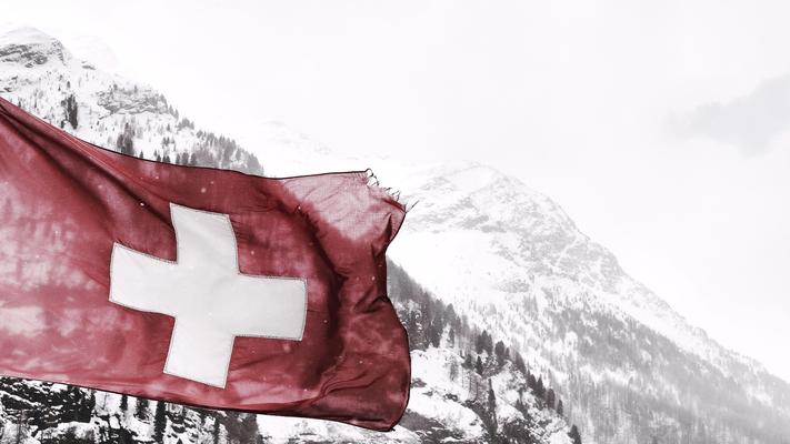 Schweizer-Berge-bei-Wanderungen-erleben
