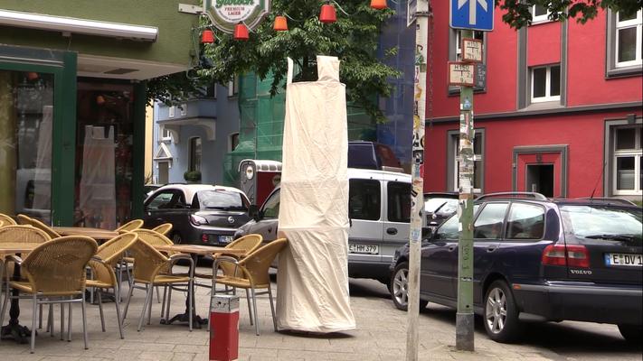 Screenshots Videodokumentation Kunstaktion Wandelnder Turm 2017 Videoloop 12:49 min