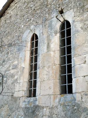 Pignon est de la chapelle St Vital avec deux lancettes étroites