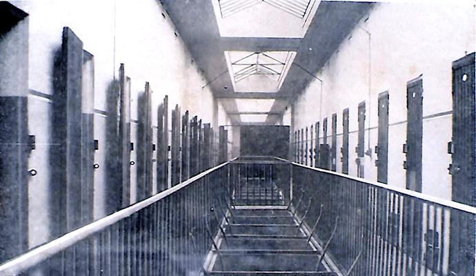 Cellules du 2ème étage du Fort Montluc © archives André Maclet