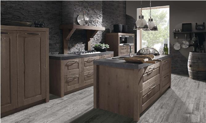 La chaleur du bois rencontre la technique moderne de la cuisine. Pièces uniques qui inspirent la solidité et l'authenticité.