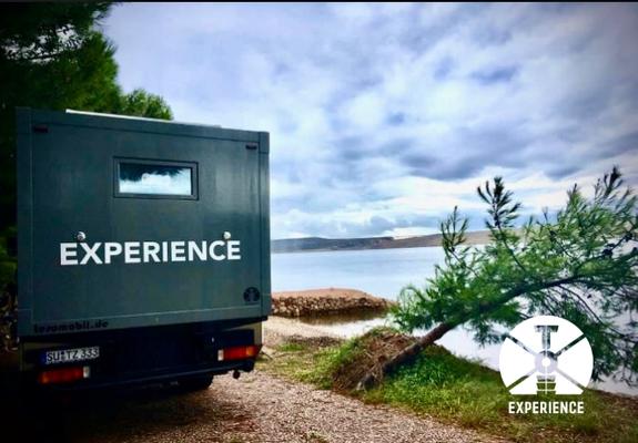 Stellplatz in erster Reihe. Freistehen und wild campen im Weltreisemobil, dank Off Road Eigenschaften/Geländegängige Mobile