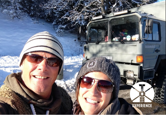 Dream Team im Weltreisemobil. Damals zu zweit, heute als Familie im Weltreisefahrzeug/Expedition Camper unterwegs und doch zuhause