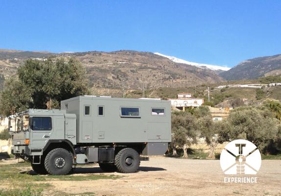 Sierra Nevada mal anders. Wohlfühlen im bestens ausgestatteten Expeditionsfahrzeug/Weltreisemobil. Unabhängige Geborgenheit inklusive.