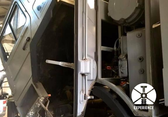 Service Klappen, Luken, Ölfilter und Getriebe-Öl. Wartungsarbeiten und Service am Expeditionsmobil zum kleinen Preis. Sicher und zuverlässig.