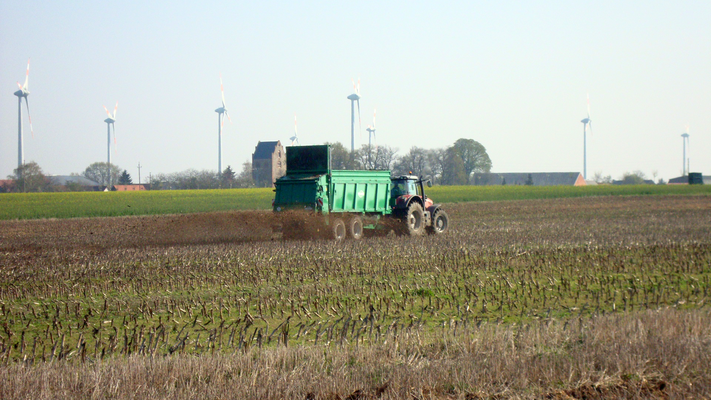 MF 8660 mit Tebbe HS240 Dungstreue