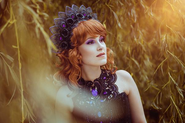 Foto/Edit: C.N. Foto Model/Styling: LillyFee Cosplay Assistenz: Vanadis Kopfschmuck: Rosenrot Photography & Design Schmuck: Bloody Brilliants, Gothic Collier Antik in lila