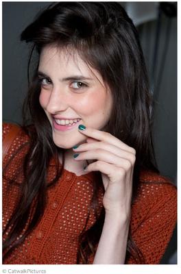 Trendfrisuren 2015: Undone-Hair bei Karen Walker, Quelle: brigitte.de