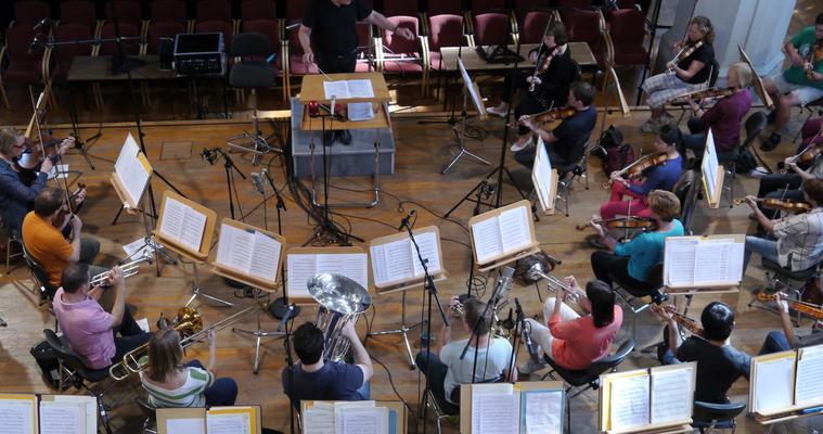 Brandenburgisches Staatsorchester mit Fine Arts Brass unter der Leitung von Howard Griffiths. Aufnahme für Rondeau Production