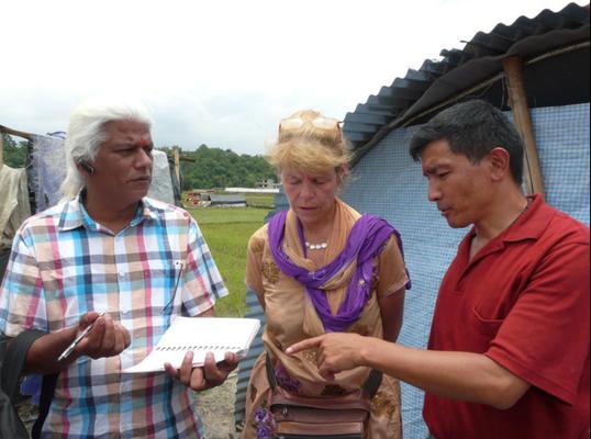Dr. Badhri, von Ayurveda Health Home übernimmt die finanzielle Koordination des Dorfes für 1,5 Jahre.