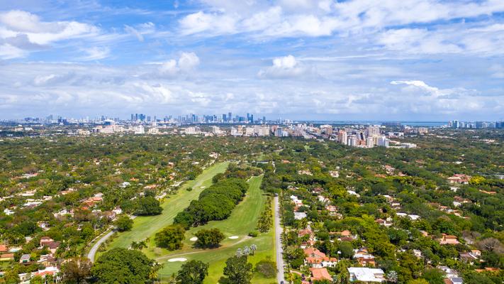 Das schöne Coral Gables Quartier in Miami Florida USA