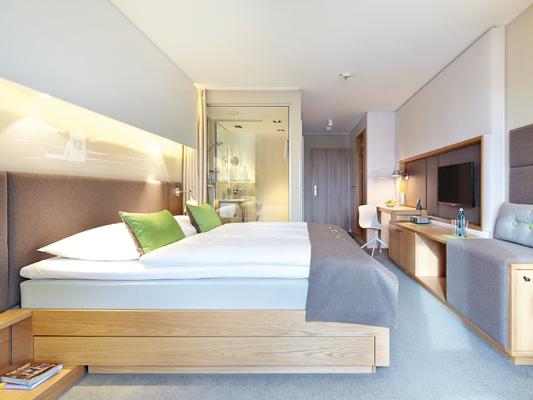 Zimmerbeispiel StrandGut Resort St. Peter Ording, Retreat Mediation und Selbstmitgefühl mit Wege zum Sein