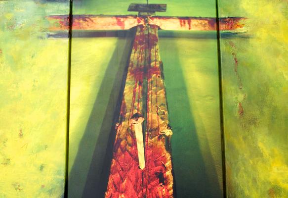Wenn der Schmerz zur Hoffnung wird (Triptychon) von A. Palder, Acrylmalerei und Fotografie, 3 Leinwände mit angerostetem Eisenprofil verbunden, 180x92x1,5