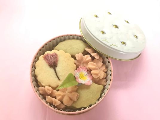 2019年 桜のクッキー缶