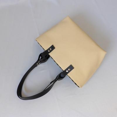 Shoppertasche mit Streifen im ArtDeco-Stil