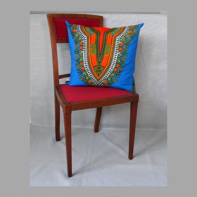 Afrika in blau. Der Stuhl dient der Deko und ist nicht inkludiert im Preis