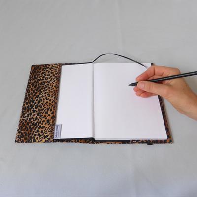 Notizbuch A5 Baby-Leopard geöffnet