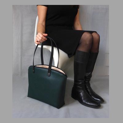 Shopper GreenNude an-der-Frau