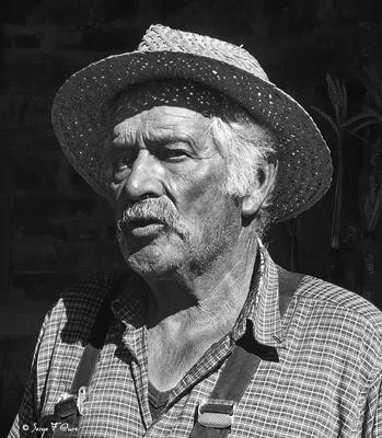 Portrait de nos aînés - Roger à L'Estrade - Plateau de l'Aubrac - Aveyron - France
