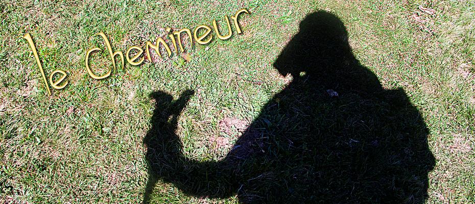 Mon ombre sur le plateau de l'Aubrac - En allant vers Aubrac - France - Sur le chemin de St Jacques de Compostelle (santiago de compostela) - Le Chemin du Puy ou Via Podiensis (variante par Rocamadour)