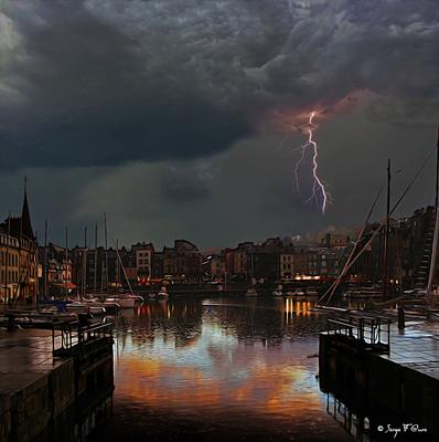 """""""Port de Honfleur sous l'orage"""" Photo façon tableau peinture Serge Faure"""
