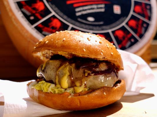 Unter anderem filmten wir das Rezept für den Burger Black sheep by Christian Kuchler