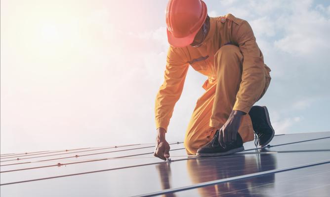 deine eigene Solaranlage macht dich unabhängig in Kombination mit einem Stromspeicher