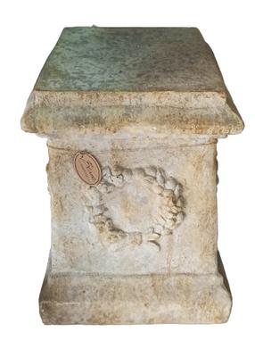 Columna de resina imitación piedra. 70x40x40