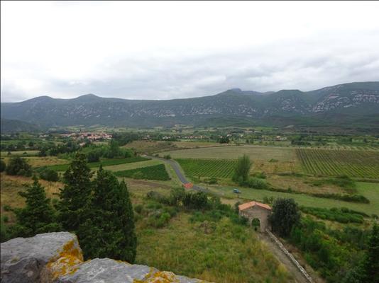 Vue sur le village de Caudiès et le Portail de Douno Pa