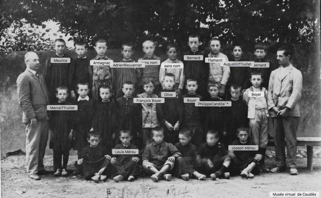 1914 école rue de la gare (actuellement avenue de la poste)