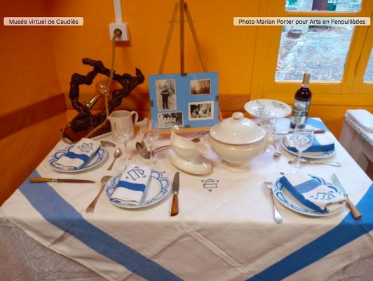 Table réalisée par Andrée Tricoire avec la vaisselle du Petit Musée (vers 1940)