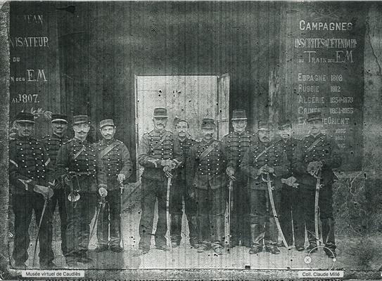Armand Millé (1er à droite) dans son régiment