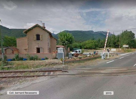 à l'entrée du village (photo Bernard Recassens)