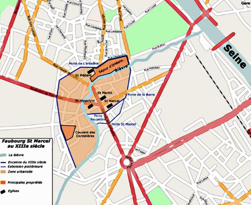 La halle aux cuirs s'implante en 1866 dans le faubourg Saint-Marcel, faubourg dont le périmètre au 13ème siècle est représenté sur cette carte par rapport à la configuration résultant des transformations Haussmaniennes. a 13ème siècle).