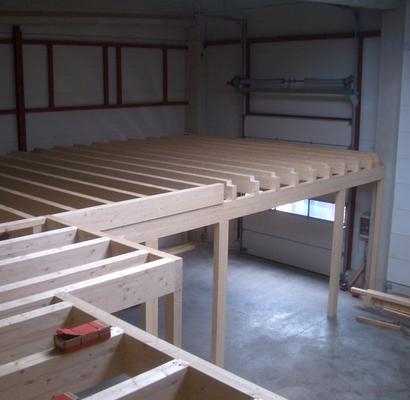 Nutzungsebene in Holzständerbauweise montiert