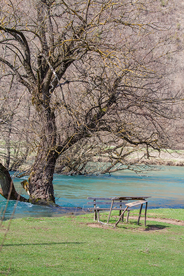 platz am Fluss