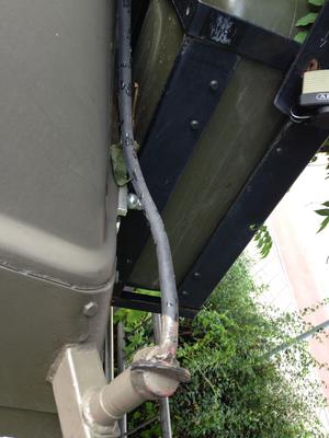 Kabeldurchführung durch vorhandenen Fahnenhalter von Heer