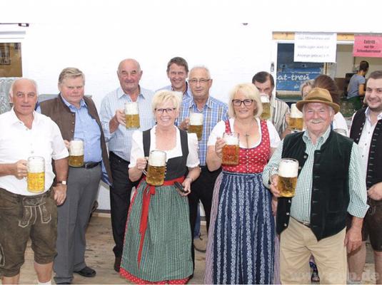 Der Marktgemeinderat Teisnach beim Teisnacher Sommerfest