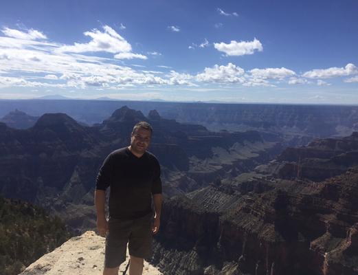 Während eines USA Urlaubes, im Hintergrund der Grand Canyon
