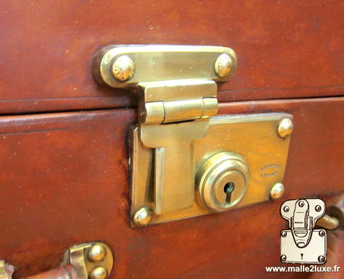 Louis Vuitton steel suitcase push lock superbe