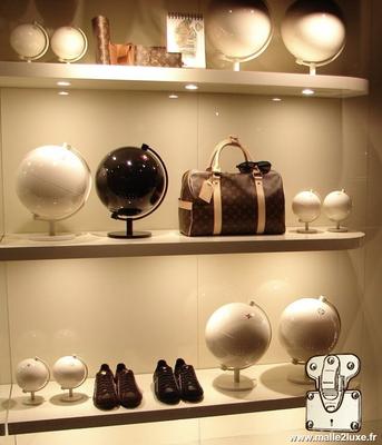 monde sans monde globe blanc Louis Vuitton rare collection