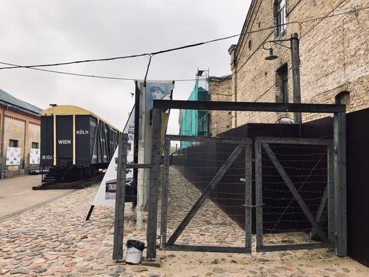 Immerhin informiert seit ein paar Jahren das Rigaer Ghetto-Museum an die leidvollen Ereignisse.