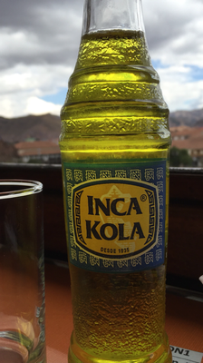 Inca Cola: schmeckt nach Gummibärli-Saft, extrem süss!