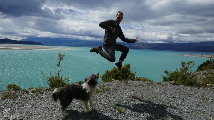 Dog-Jump an der Carretera Austral in Chile, 2016