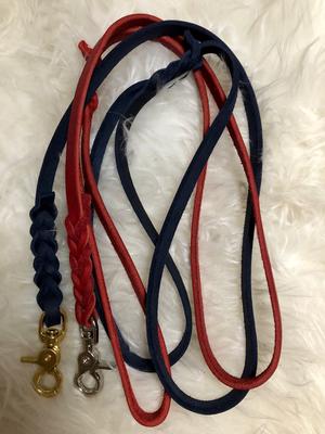 Fettleder Leinen in rot & blau mit Scherenkarabiner in silber und Messing