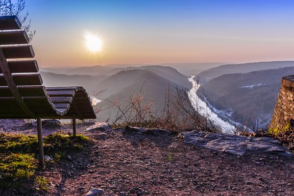 Auszeit - Wintermorgen mit Blick zur Saarschleife