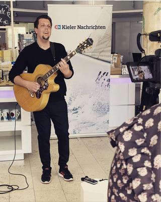 Auftritt zu Gunsten der Kultur in SH bei den Kieler Nachrichten