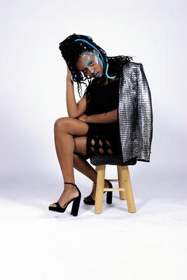 Ice Queen - Model: Chenigua - Photographer: Richelle Akkermans - Hairstylist: Mariska van Zanten