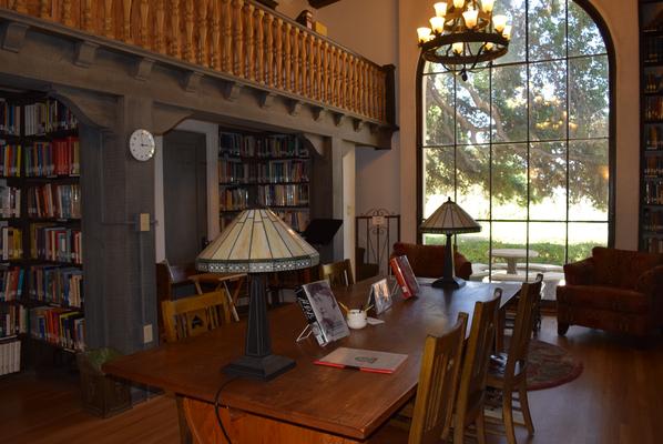 Biblioteca del Instituto Krotona de Teosofia, Ojai